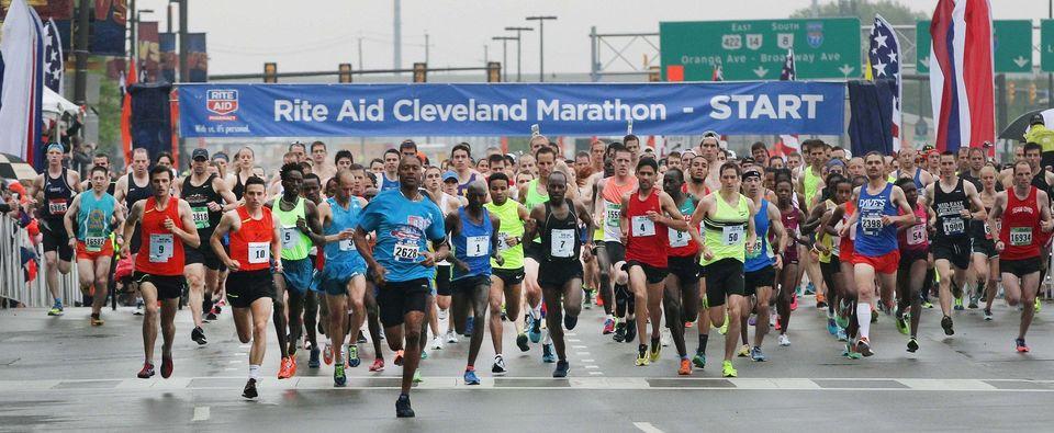 2015 Rite Aid Cleveland Marathon Start