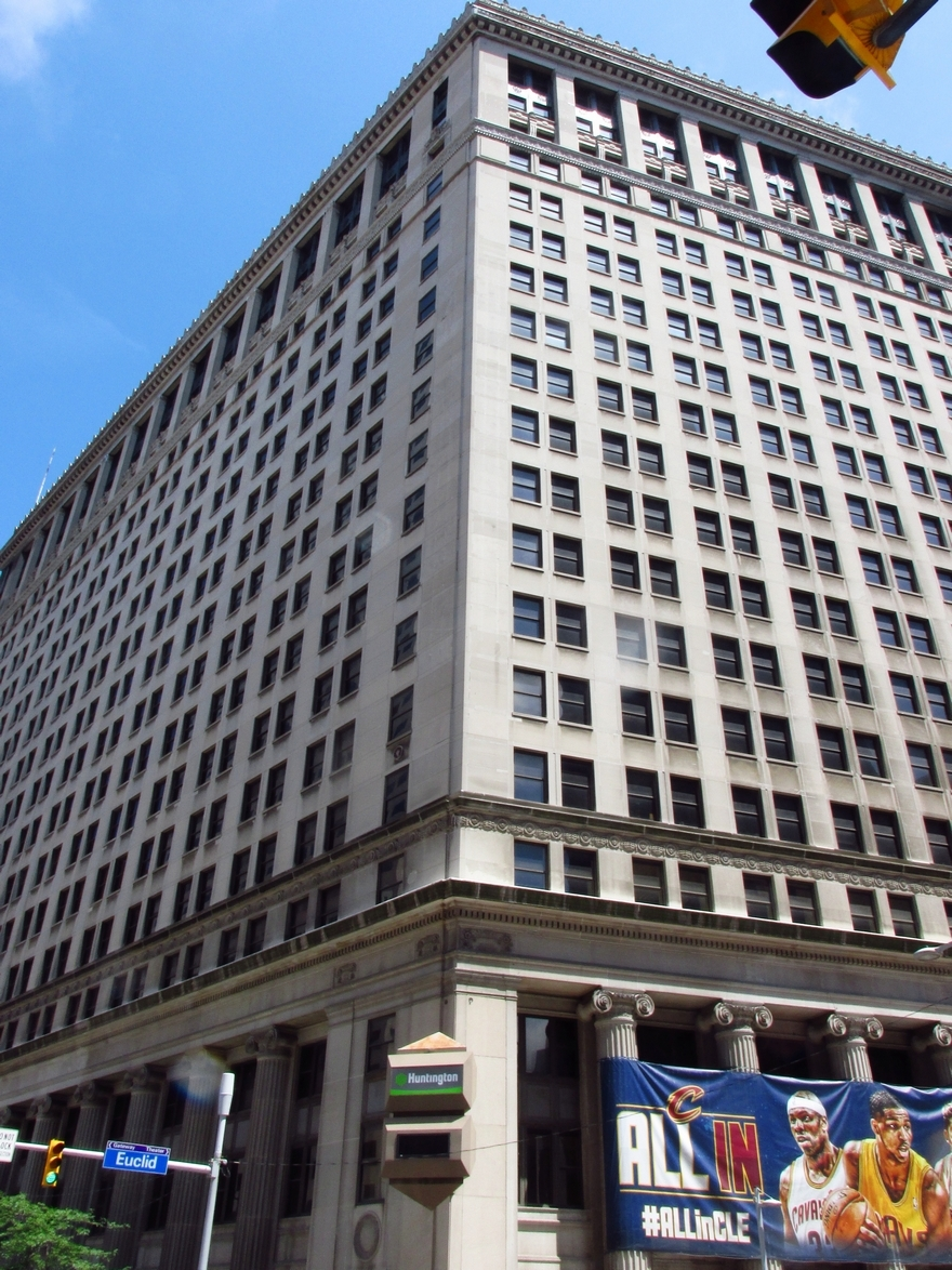 Former Huntington Building Getting Facelift