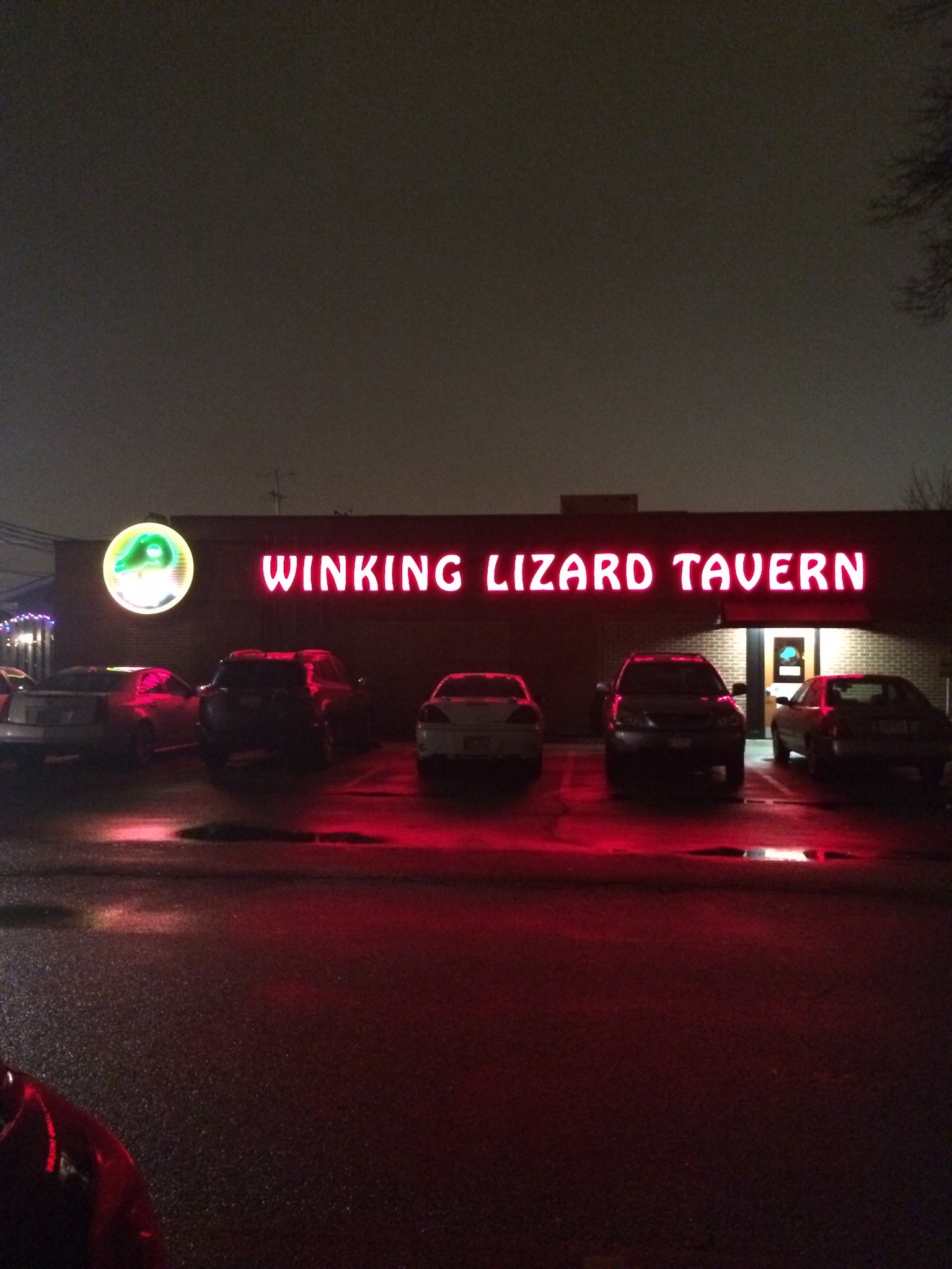 Winking Lizard Tavern – Let The Good Times Roll